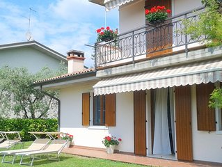 Casa vacanze Danny a Lazise, con giardino, parcheggio, Internet, idromassaggio