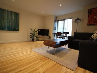 Superior One Bedroom Apartment with Patio Garden * Alpha Apartments