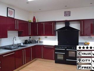 Tranquil Detached House **10 mins Walk to City **