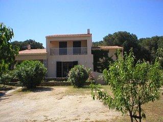 appartement dans villa ,parking ,petit jardin ,plages proches
