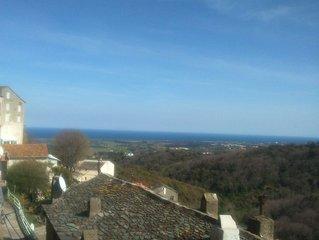 Maison ancienne au coeur du village de Castellare Di Casinca avec vue sur la mer