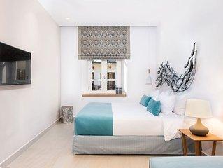 PHAEDRA ONE-BEDROOM LUXURY APARTMENT