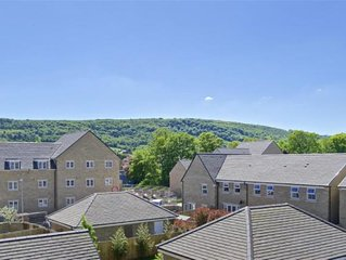 Luxury Riverside House-10 minutes walk from Otley Town Yorkshire Free Parking