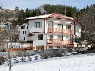 Ski House Pamporovo - Four Bedroom House, Sleeps 8