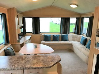 Lovely mobile home, Porth, Newquay, sleeps up to 8 people