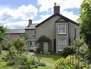4 bedroom accommodation in Llangollen
