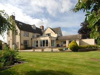 Brilliant walks, golf, cycling & Ground Floor Accommodation in Cotswold Cottage