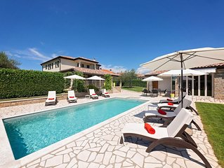 Lovely Villa in Umag with Swimming Pool