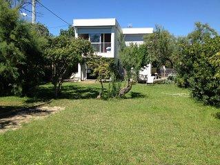 UNIQUE  villa  4* 200m2 accès direct mer  par un jardin de 1000m2