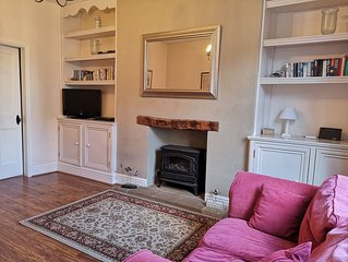 Cottage in the  centre of Whitby - beautiful coastal and Abbey views
