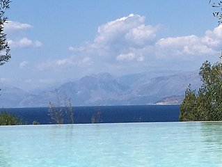 Villa Sania, Breathtaking Views, Grand New, 300m from  the beach