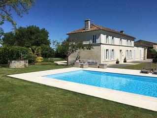Beautiful large Charentaise House, own use pool, gardens, near Saintes