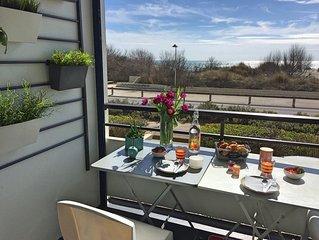 F2  plus cabine, 45 m2, balcon 7 m2 avec vue mer, au Grand Travers, du dimanche