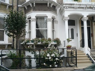 TRAVELLING SOLO? HOME WITHIN A HOME, with Private Kitchen, in West Kensington