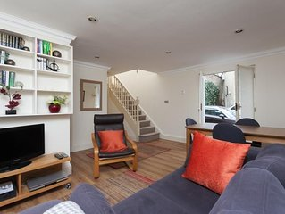 Circus Mews - Sleeps 3, has its own parking bay and was awarded 4 star by the To