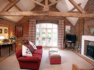 Beautifully converted 19th century coach house with stunning ground floor accomm
