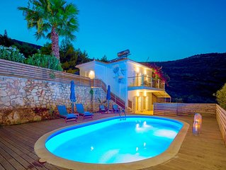 Beautiful villa with 2 bedrooms, private pool, free Wi-Fi and idyllic location