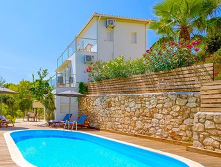 Modern villa with 3 bedrooms, private pool, gardens, amazing views in Keri