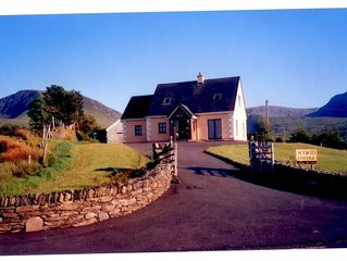 Luxurious 4 star dormer cottage in Cloghane  Dingle Peninsula