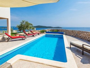 Beautiful villa with private pool near Trogir