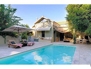 2 bedroom Villa, sleeps 6 with Pool, Air Con and FREE WiFi