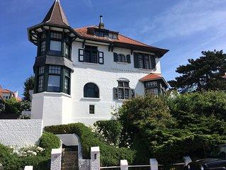 Authentic cottage style villa, family friendly, private beach cabin & garage