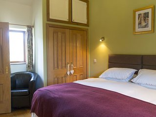 The Byre - Two Bedroom House, Sleeps 4