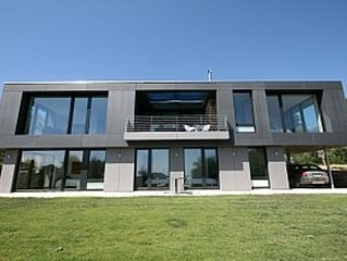 Contemporary House with highest architectural and sustainable credentials