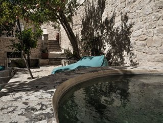Enchanting 16th century Retreat With Garden In the Historic Centre of Modica