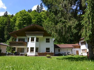 Bright and modern apartment in the beautiful Berchtesgadener Land with fireplace