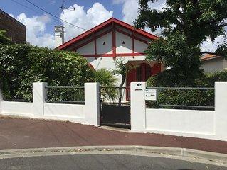 Jolie Villa avec jardin et grande terrasse vue sur bassin a 200 m de la plage