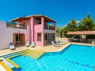 Villa Pegasus: Large Private Pool, Walk to Beach, Sea Views, A/C, WiFi, Car Not
