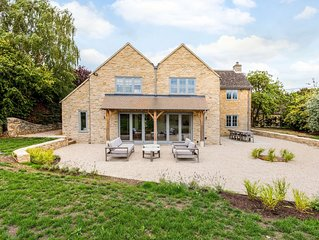 Spacious & Luxurious Home near Bicester village