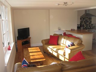 Beer Holiday Maisonette with Parking and Balcony, Near to Beach, shops and Pubs
