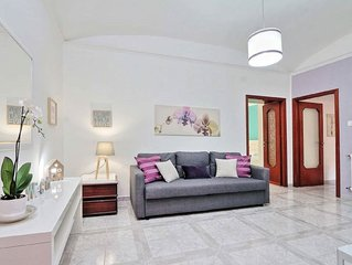 Bright Central Large apartment