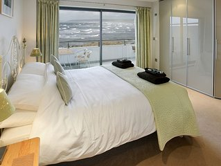 Stunning location on the sea In Westward Ho!, 5 Star Gold Award 3 bed apartment