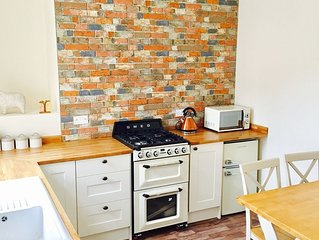 Beautifully Renovated Dog Friendly Cottage Nestled in Settle - Yorkshire Dales