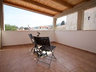 Alen apartment in Veli Lusinj with WiFi, air conditioning, private parking, priv