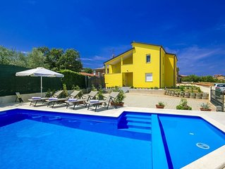 Lovely Apartment in Kaštel with Swimming Pool