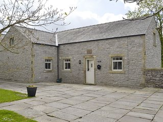 2 bedroom accommodation in Over Haddon, near Bakewell