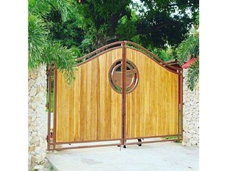 Private Beach House in Playa Coronado