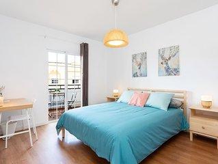 Moderno y luminoso apartamento con vistas a la ciudad , en pleno centro