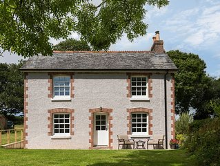 Harraton Cottage in the stunning South Hams. Family & Dog friendly.