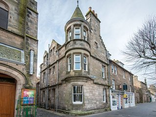 Fabulous 4 bedroomed townhouse in the heart of St Andrews