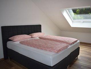 Ferienwohnung  Wiedergrün 100qm , 3 Schlafzimmer für 1-8 Personen
