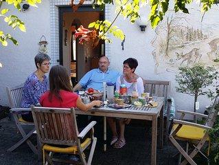 Liebevoll eingerichtetes Ferienhaus, ruhige Lage mit Garten und Grillmoglichkeit