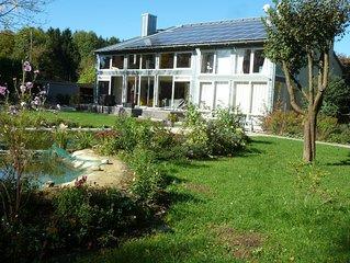 Grosszugiges und luxurioses Haus mit Badeteich, im Osten Munchens gelegen