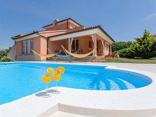 Villa Mirna with Private Pool near the Beach in Medulin!