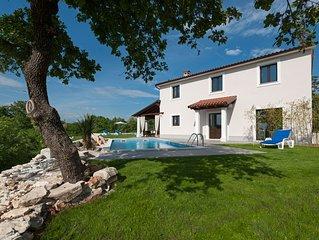 Romantische Pool Villa,  15 FAHRMIN ans MEER