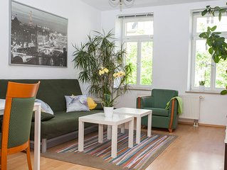 2 Zimmer FeWo, Küche, Bad, Balkon, Aufzug, Kabel-TV, WLAN - Nähe Zoo, Innenstadt